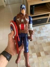 Boneco capitão América usado