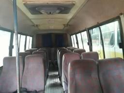 Vende se um micro ônibus - 2001