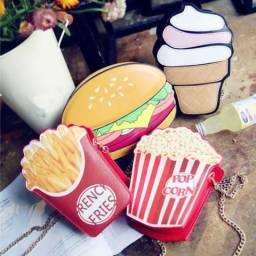 Bolsas: popcorn, cupcake e french fries