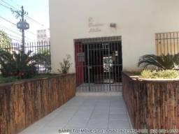 Apartamento 02 Quartos, Banheiro Social Setor Sul Próximo da Praça Cívica