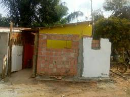 Vende -se casa pequena no iranduba 3,900