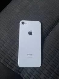 IPhone 8 lindo muito novo