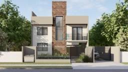 Lindo sobrado com terraço à venda no bairro Pinheirinho, com 3 quartos e um belo acabament