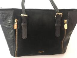 Bolsa de couro legítimo com detalhes em camurça