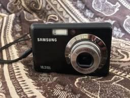 Câmera Samsung ES55 com carregador e cartão de memória