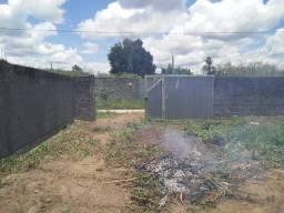 Vendo terreno todo murado já com o portão,em Conceição do Jacuípe.