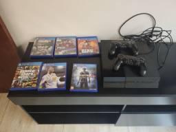 Vende se PS4  com 2 controles e 6 jogos