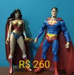 Superman e Mulher Maravilha DC Direct originais.