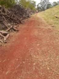 Roçagem de terrenos e jarduns