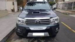 Hilux SW4 4x4 - 7 Lugares - 2010