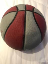 Bola de Basquete Spalding School usada