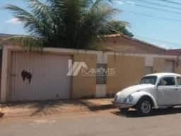 Casa à venda com 3 dormitórios em Várzea das flores, Pompéu cod:600075