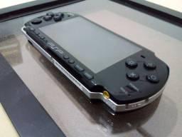 Videogame portátil PSP + 2 Jogos