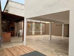 Título do anúncio: Linda casa com 5 quartos, 250 m² por R$ 4.600/mês - Santo Agostinho