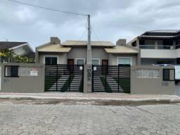 Casa geminada a venda em Bombinhas-SC