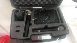 Vendo microfone profissional novo 550