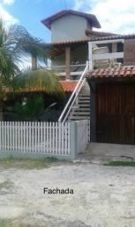 Casa com piscina e três quartos em Ilhéus-Olivença-BA