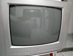 Vende-se TV de tubo