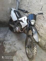 Moto trilha 150cc arrumar