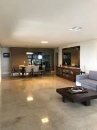 Apartamento com 250 MQ, 1 por andar, 4 suítes, 4 vagas de garagem.