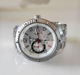 Relógio Mondaine Triton