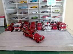 Coleção miniaturas corgi