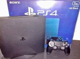 Playstation 4 1TB semi novo