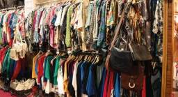 100 peças roupas semi -nova