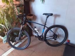 Bike com acessórios.