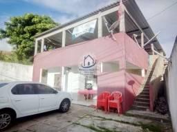 Casa em um Terreno com 400m2, 5/4 (1 Suíte), Garagem p/ 4 Carros; em Itapuã-HC022