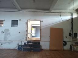 Galpão comercial na Av. Jacinto Sá em Ourinhos 400m²