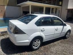 Fiesta Sedan SE flex completo