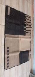 Vendo Carpete de sala semi novo 1 e 50 de comprimento e 1 metro de largura.