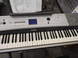 Vendo um teclado 7/8