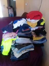 150 peças de Roupas para bazar lavadas e higienizadas