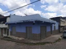 Casa para alugar, com garagem no Bairro de Fátima