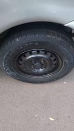 Troco rodas 13 fiat com peneus por 14 ferro com peneus