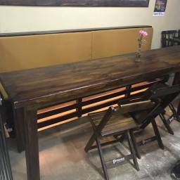 Conjunto sofás e mesas em Madeira Maciça