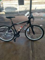 Vendo bike Shimano equipada  no valor de 2.000