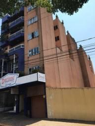 Alugo Apartamento com 3 Quartos no Centro de Toledo