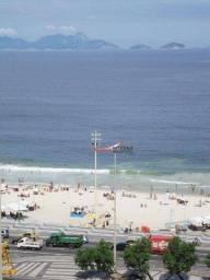 Apartamento com 3 dormitórios à venda, 65 m² por R$ 740.000,00 - Copacabana - Rio de Janei