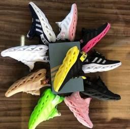 Tênis chinelos sandálias