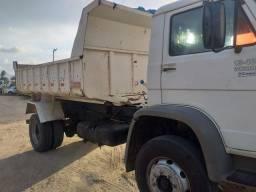 Caminhões 13-180 pronto para trabalho