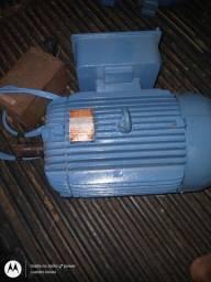 Motor monofásico 12, 5 cv de baixa rotação