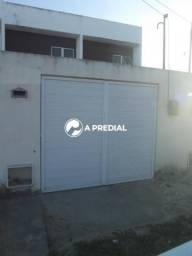 Casa duplex em Maracanaú, 3 quartos, 98m² de área contruída.