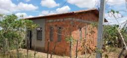 Casa com terreno barata no distrito do Coqieiros em Ouricangas