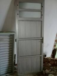 Vendo porta de alumino e cachilho de aluminio