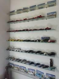 Coleção de Miniaturas de Carros e Motos