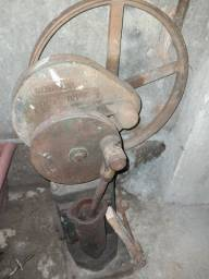 Bomba de água Antiga