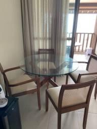 Vendo mesa tok stok semi nova com 4 cadeiras